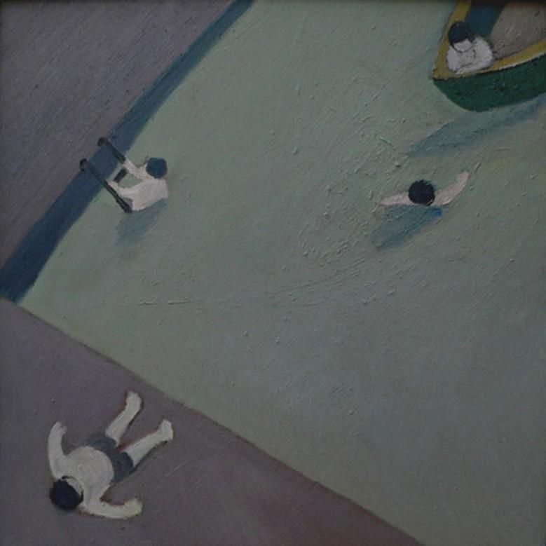 Три купальщика и спасатель в лодке.